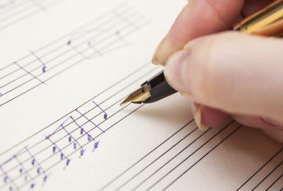 Học sáng tác ca khúc