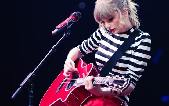 chọn đàn guitar cho bạn gái