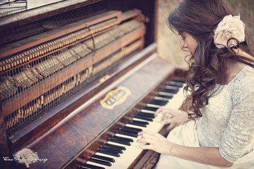 Người lớn học đàn piano phải bắt đầu từ đâu?